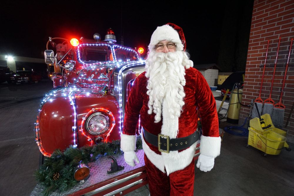 Santa is coming to San Gabriel
