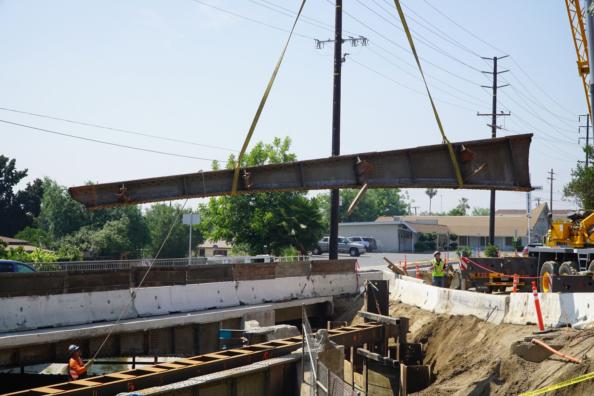 Photos: LA County Public Works removes steel girder at Alhambra Wash Bridge